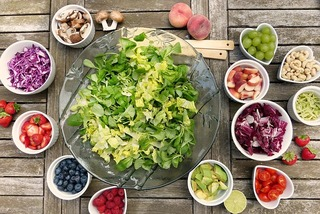 salad ingredients what is raw food diet